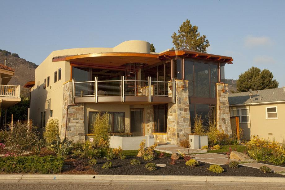 1000 sq. ft. Exterior Deck